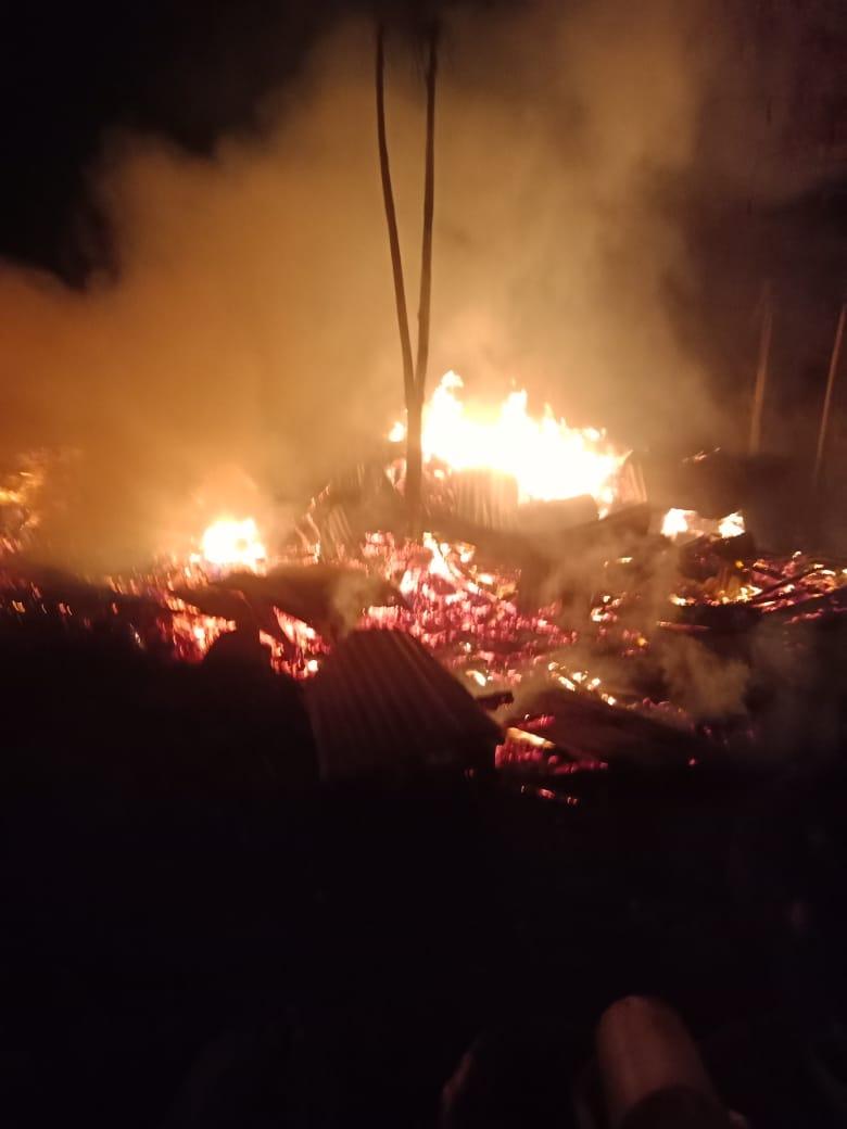 Kebakaran pabrik trisplek